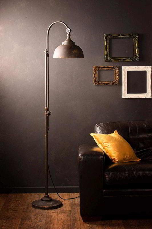 Lámpara de pie para salón de estilo industrial